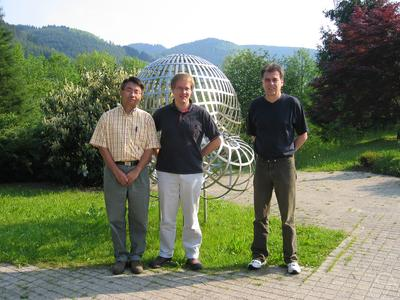 Xiaobing H. Feng, Andreas Prohl, John W. Barrett