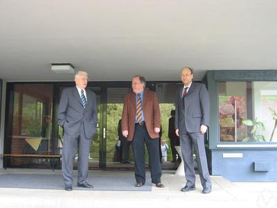 Reinhold Remmert, Alan T. Huckleberry, Thomas Peternell